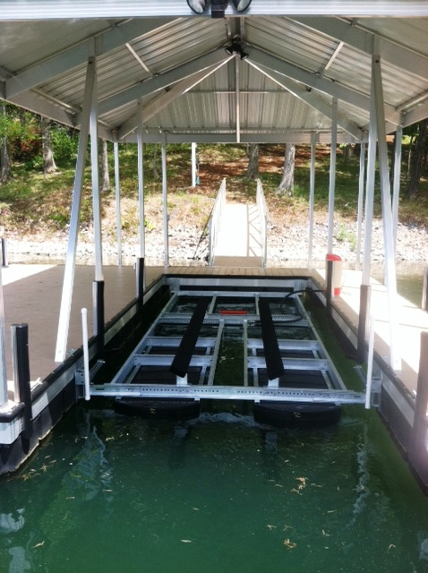 Chaparral 226 boat lift, easy to manuever boat lift