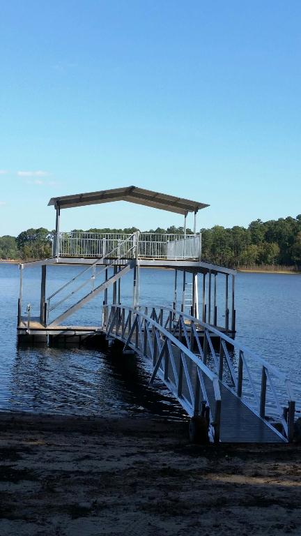 Lake Thurmond boat docks, boat docks, lake Thurmond, sundeck roof docks