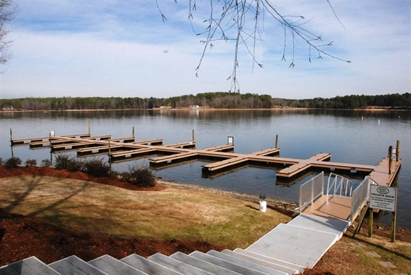 commercial slips, commercial floating docks, lake greenwood, custom commercial docks