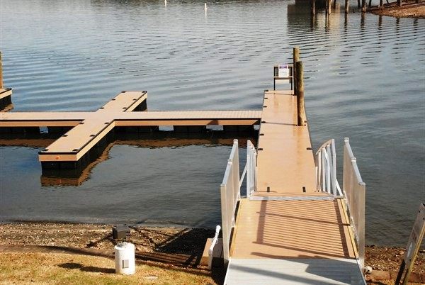 commercial pier, pucketts ferry, custom built piers, lake greenwood