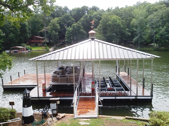 boat lift, custom made lifts, sturdy boat lift, boat lift for bigger boats