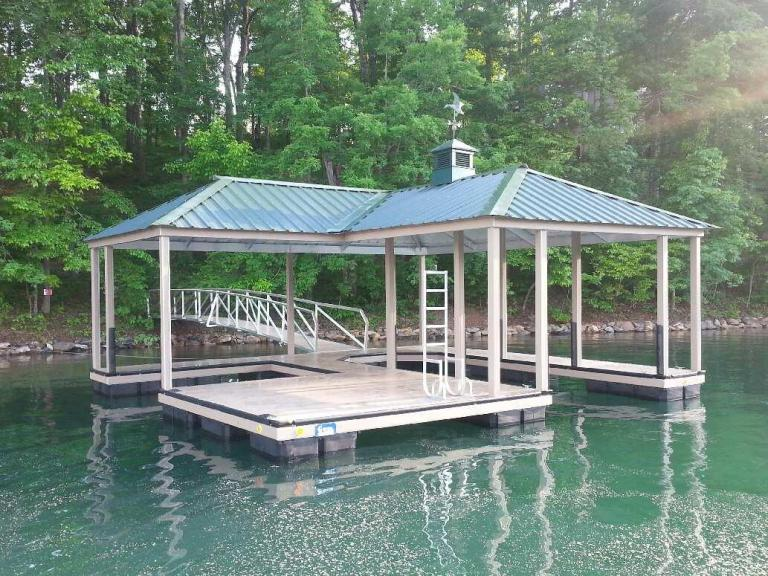 the cliffs approved dock, the cliffs boat dock, the cliffs on lake keowee
